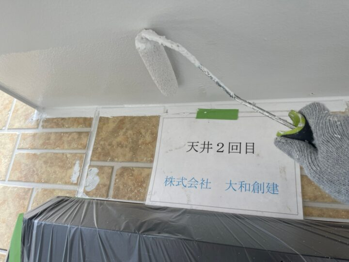 天井塗装2回目