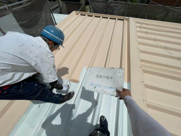 瓦棒屋根中塗り