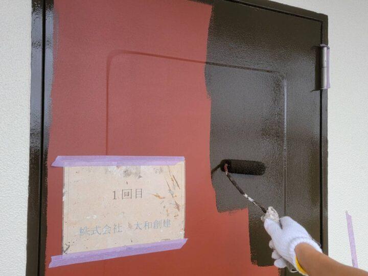 玄関ドア塗装1回目